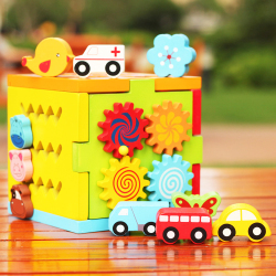 Jeronimo Wooden Cube - Spinning Wheels