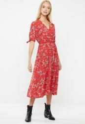 Revenge Tie Sleeve Midi Floral Dress - Red