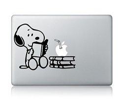 "Idecalworks Snoopy Reading Vinyl Decal Sticker Apple Mac For 13"" Mac Black"