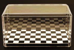 PIONEER PLASTICS 1-24 Scale Model Checkered Display Case By